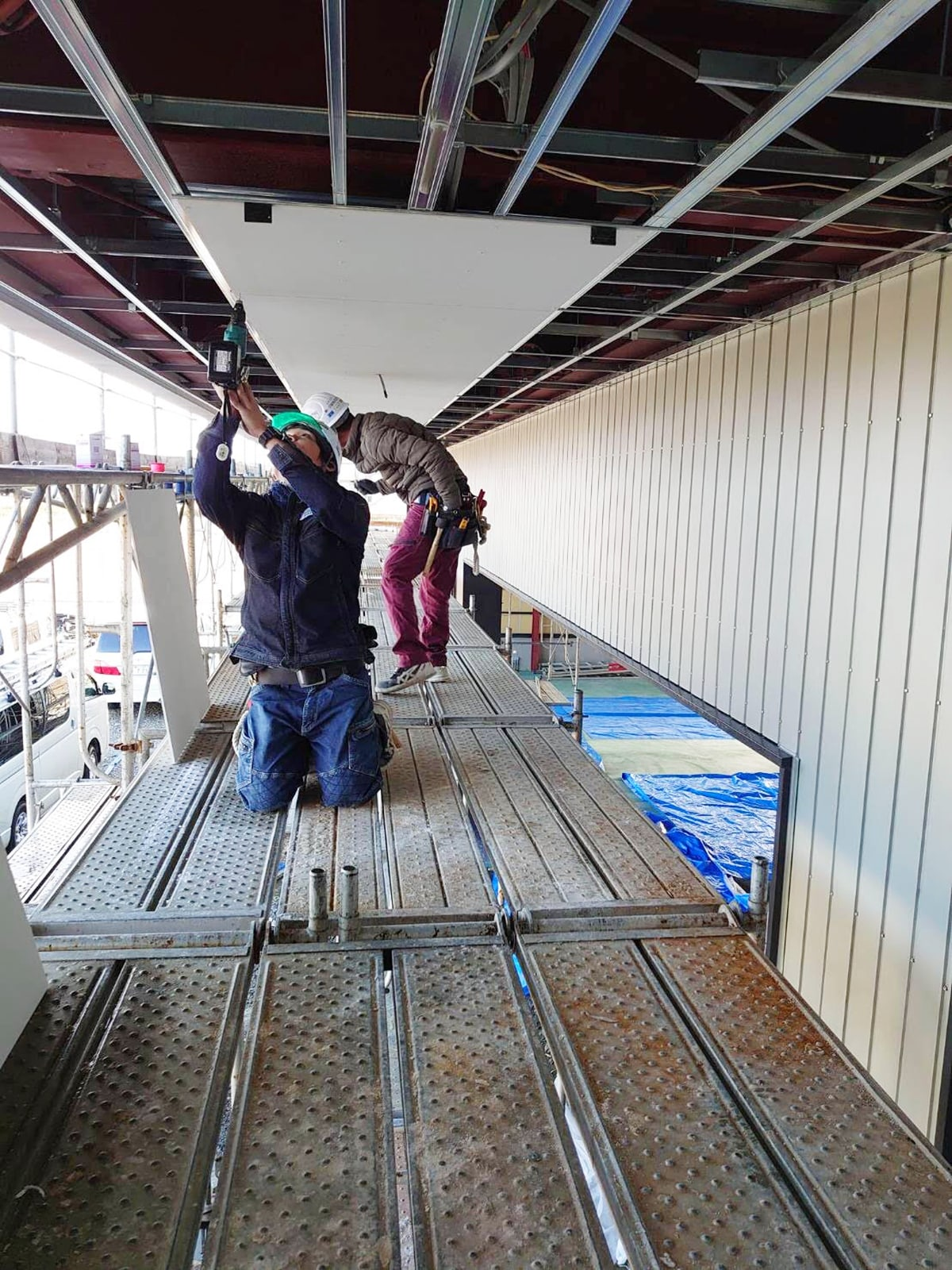 ボード仕上げ工事 軒天井貼り